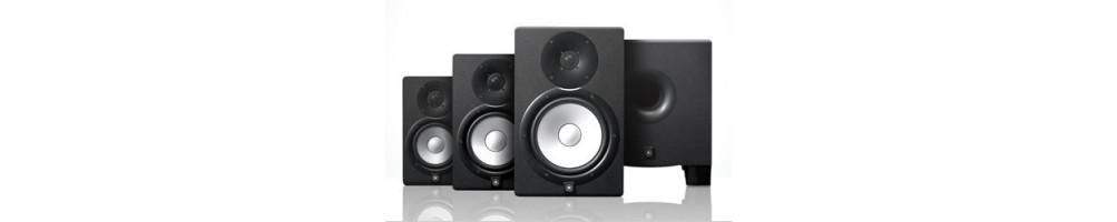 Enceintes monitor studio enregistrement yamaha à l'écoute toulon