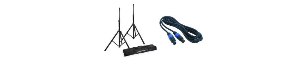 Accessoires de sono comme boîtier de direct, câbles et pieds de micros